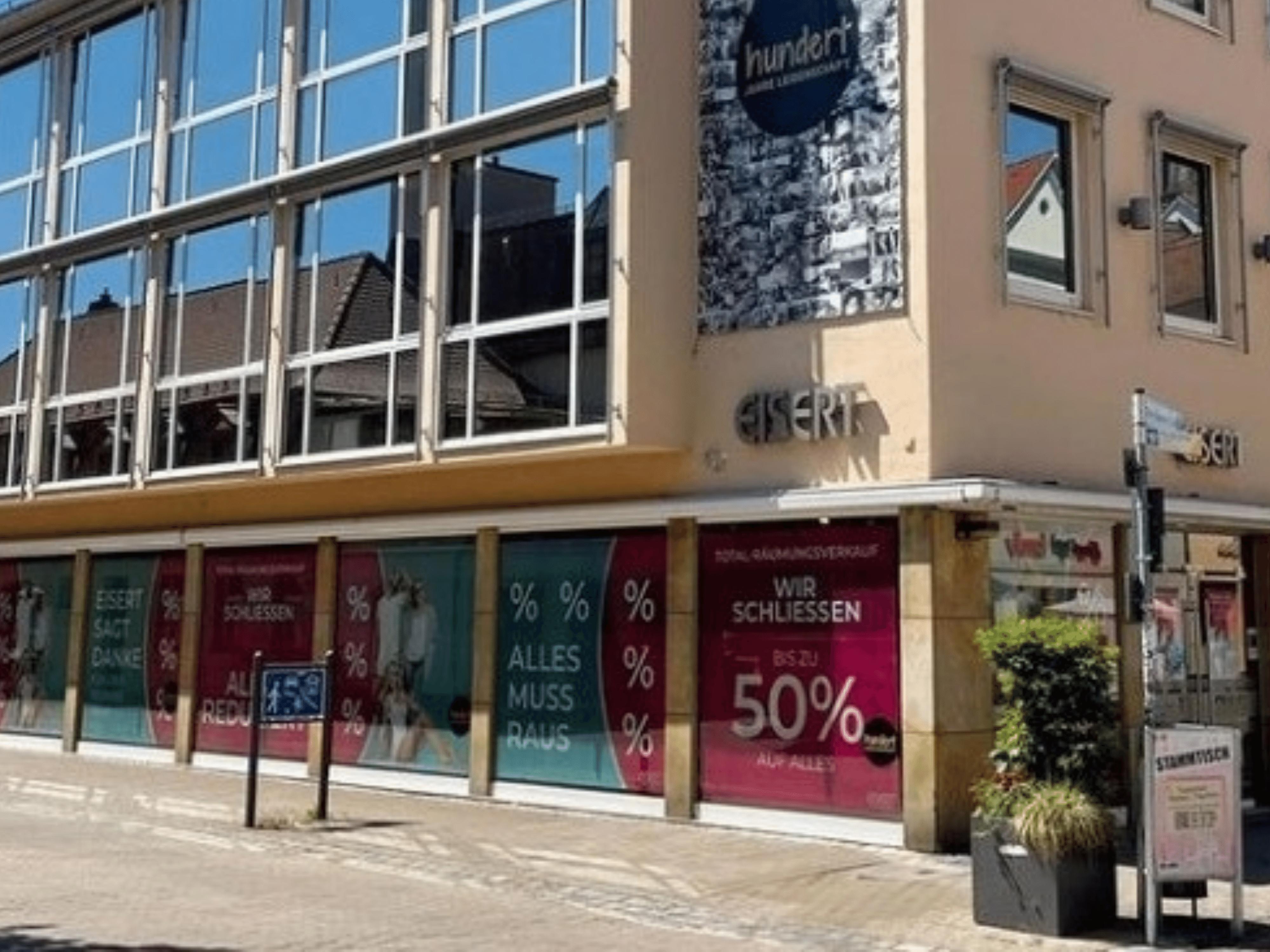 SIGG Zeit zum Handeln Räumungsverkauf Geschäftsaufgabe Schließung Fassade Schaufenster